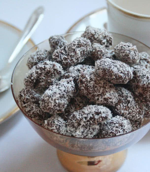 chocolate-coconut-nibs-1a